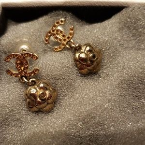 Authentic Chanel Boucles Oreille earrings